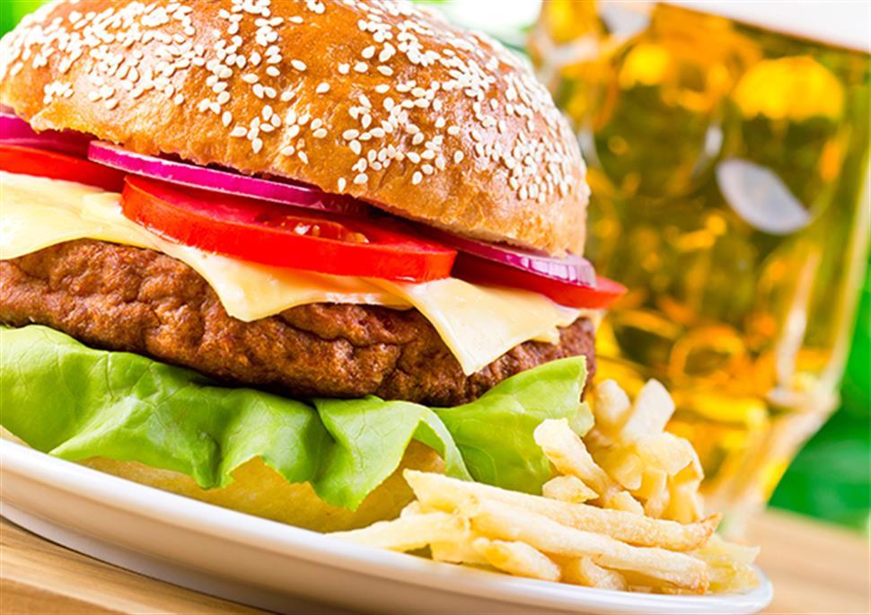 Hamburger Patatine e Birra